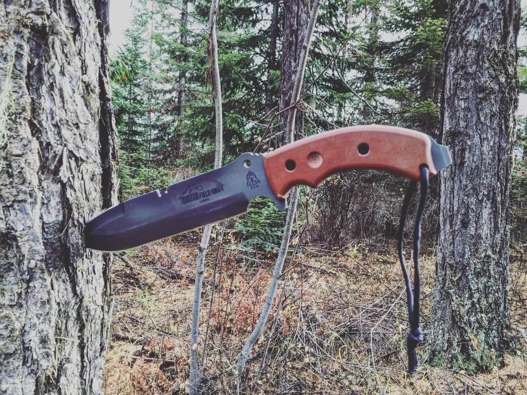 couteau-de-survie-en-acier