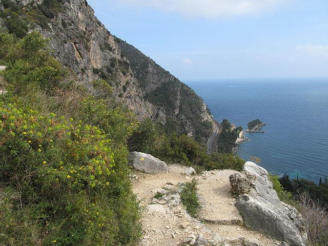 Le-sentier-Nietzsche-d'Eze-Village-à-Eze-beach