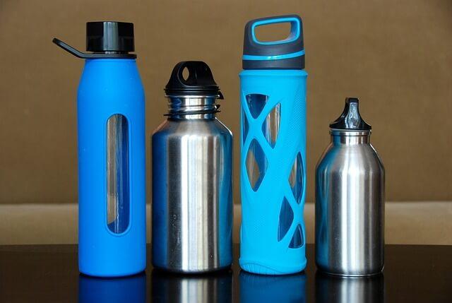 bouteille-eau-en-plastique