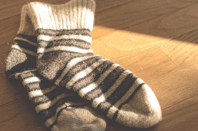 chaussettes-de-couleur-blanc