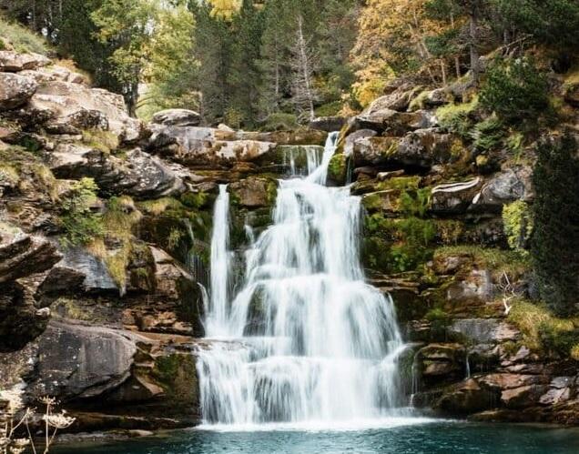 Cascade-au-canyon-dordesa