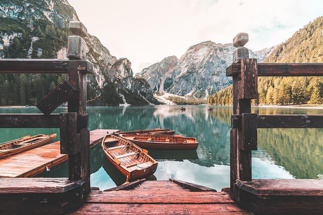 Lago-di-Braies-Bateau