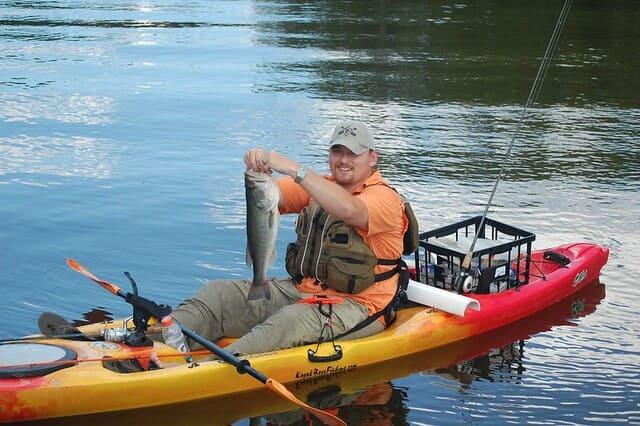 poisson-peche-en-kayak