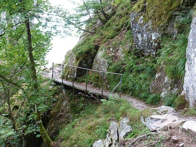 Sentier-des-roches