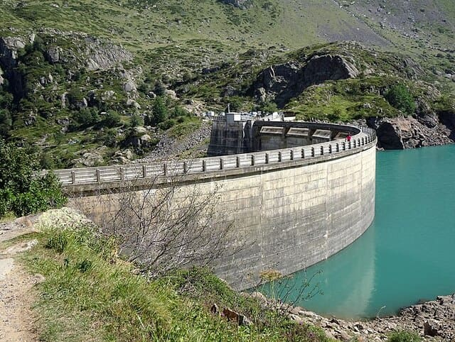 Le-barrage-des-Gloriettes