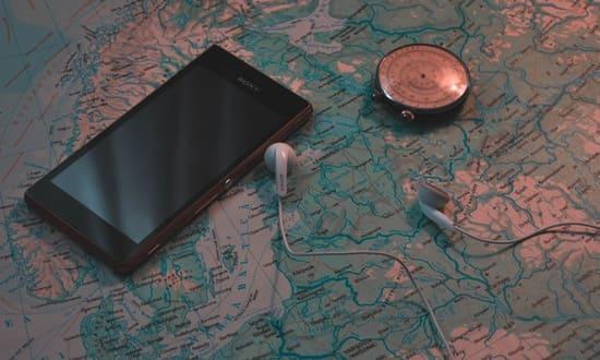 Apportez-un-telephone-avec-un-GPS-et-renseignez-vous-sur-la-faune-locale