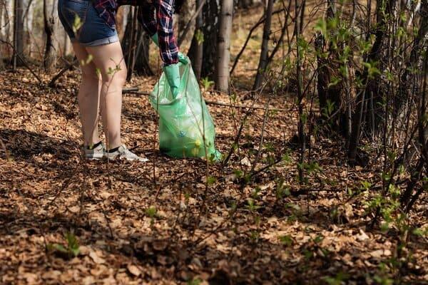 Gardez-votre-espace-de-vie-propre-et-range-lors-dun-camping