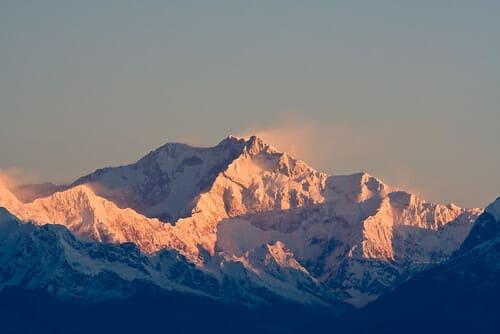 Kangchenjunga-montagnes-plus-difficiles-a-escalader-dans-le-monde