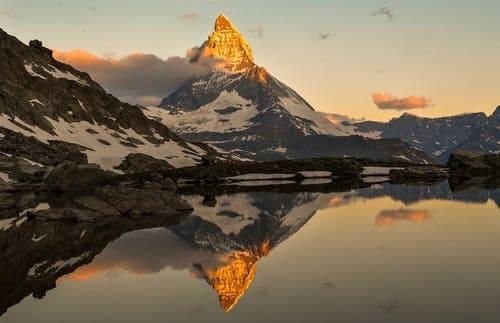 Le-Cervin-montagnes-a-escalader-dans-le-monde
