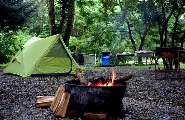 Le-camping-est-une-occasion-parfaite-pour-manger-plus-sainement