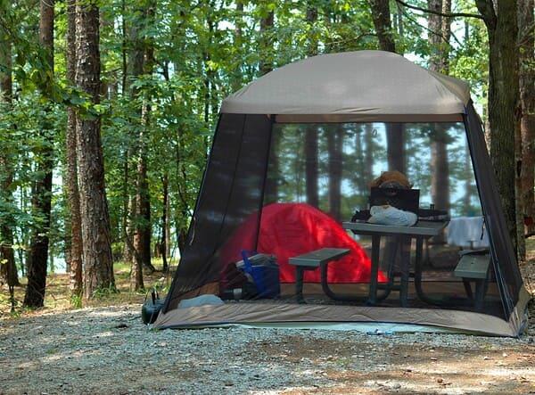 Le-camping-remet-a-zero-le-compteur-de-votre-cycle-de-vie-citadine