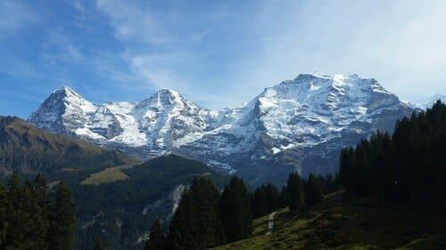 Le-mont-Eiger-montagnes-plus-difficiles-a-escalader-dans-le-monde