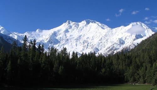 Nanga-Parbat-montagne-plus-difficile-a-escalader-dans-le-monde