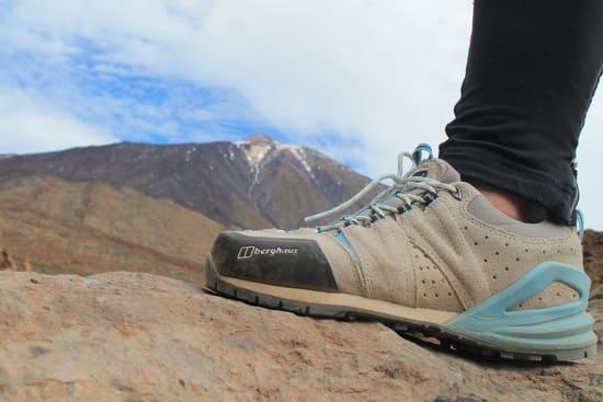 Portez-des-chaussures-de-trekking-qui-sadaptent-parfaitement